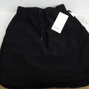 Lululemon on the fly Skirt black